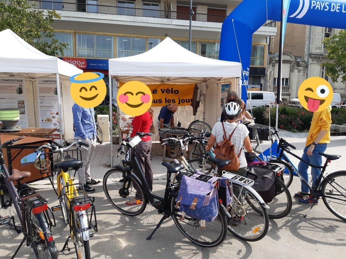 #Angers #AngersAgglo Nous sommes toujours place Lorraine pour du marquage vélo, vous présenter le coup de pouce vélo ou encore la vélo école. #lesboitesavelo #SolutionVelo #Velotaf #FUB https://t.co/ClcfumFW7D