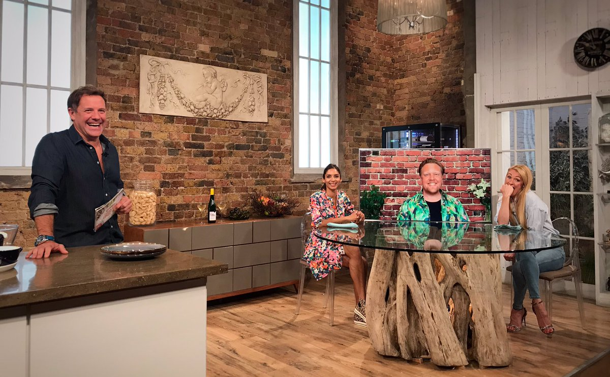 Saturday Kitchen superfan Cat Deeley is in the building and ready for breakfast!   Come join @matt_tebbutt, @jollyolly, @ShiviRamoutar and @catdeeley on @BBCOne now!  #SaturdayKitchen https://t.co/uGFc5omOXZ