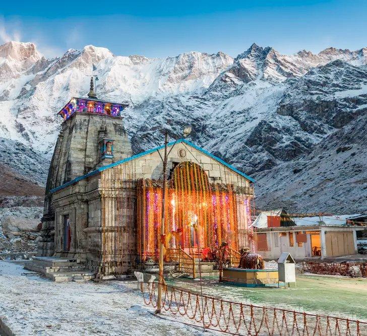 Kedarnath Temple is devoted to Lord Shiva (Mahadeva) and possesses high religious significance. Kedarnath Temple is one of the four Char Dham pilgrimage sites in Uttarakhand.   #Kedarnath #Yamunotri #Gangotri #Badrinath #chardham #uttarakhandtourism #diamondhospitalities https://t.co/wL9nkirGHE