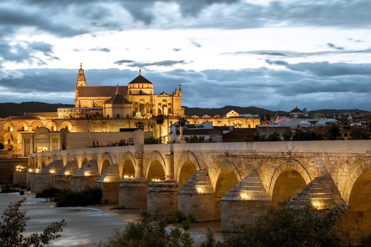 #ViveAndalucia | Córdoba, entre las mejores ciudades de España para visitar en otoño: https://t.co/Yimph4Q5Bo vía @okdiario https://t.co/KJqR9H47aF