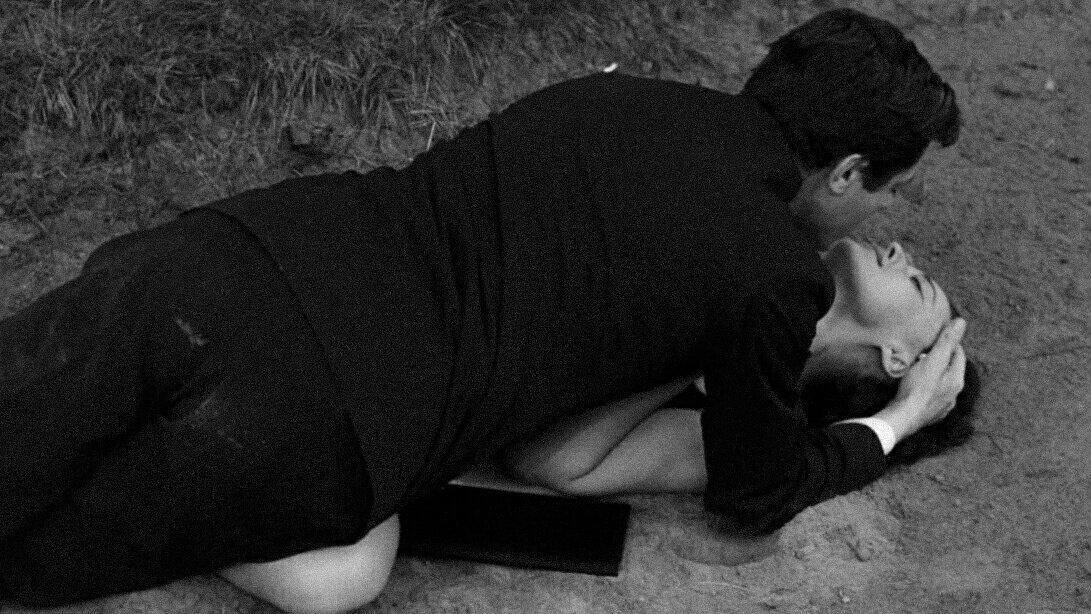 """""""La notte""""[The Night] (1961) by Michelangelo Antonioni https://t.co/7dPwYjOdyJ"""