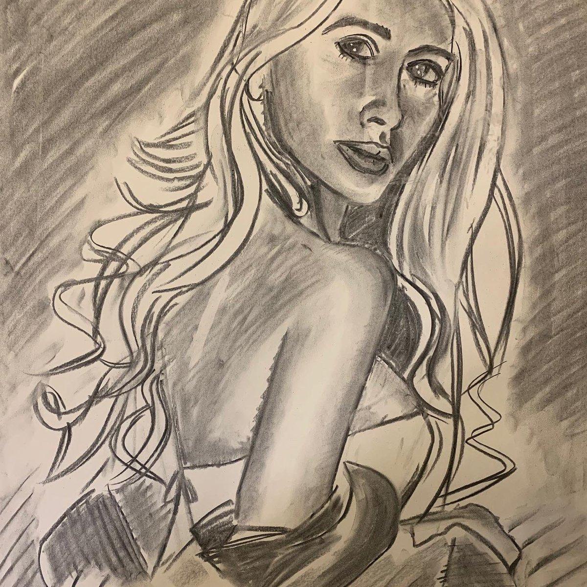 後ろ姿 Back view #sketch #croquis #charcoaldrawing #artwork🎨 #woman #肖像画 #女性画 https://t.co/7Ow7GyoEA5