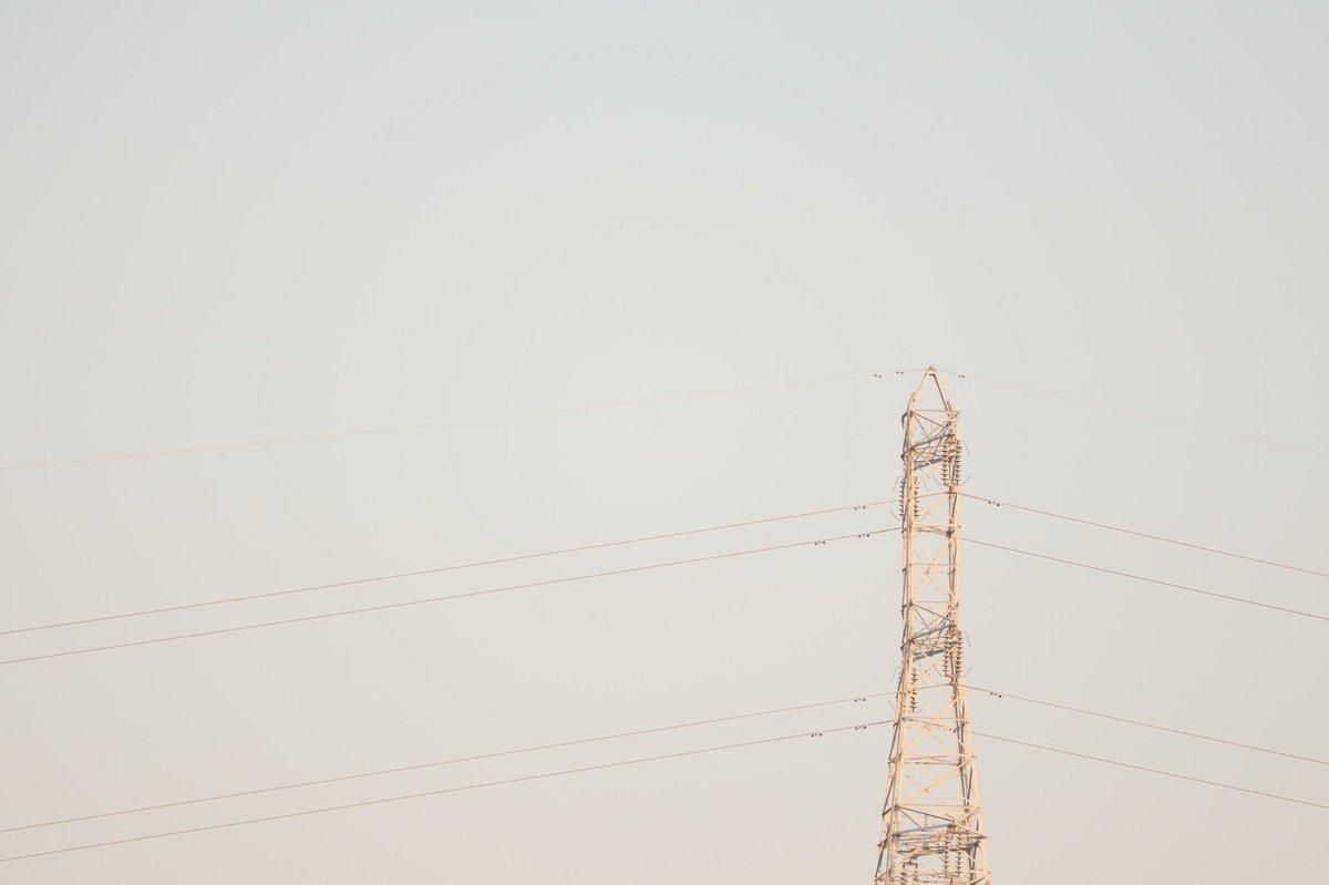 色んな角度から見た送電塔   #カメラ好きな人と繋がりたい #カメラ初心者  #写真好きな人と繋がりたい  #写真で伝えたい私の世界  #ファインダー越しの私の世界 #送電塔 #電線 https://t.co/rYCiCTGsIH