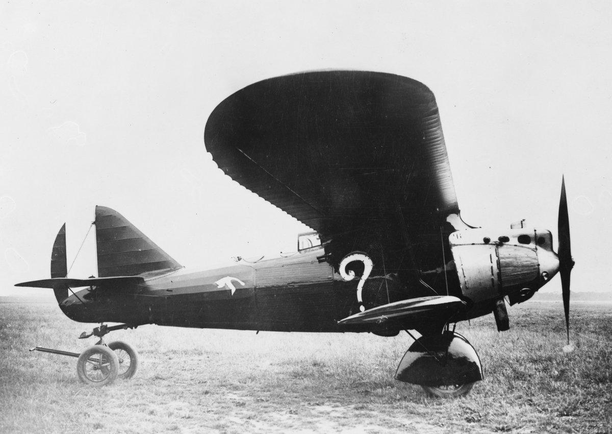 Connaissez-vous l'histoire de ce mystérieux avion au point d'interrogation ? Le #Breguet XIX, équipé d'un de nos moteurs #HispanoSuiza, permit aux aviateurs Costes et Bellonte d'être les premiers français à relier Paris à New-York.  Un exploit qui reste gravé dans les mémoires. https://t.co/Fkl4fkaJEw