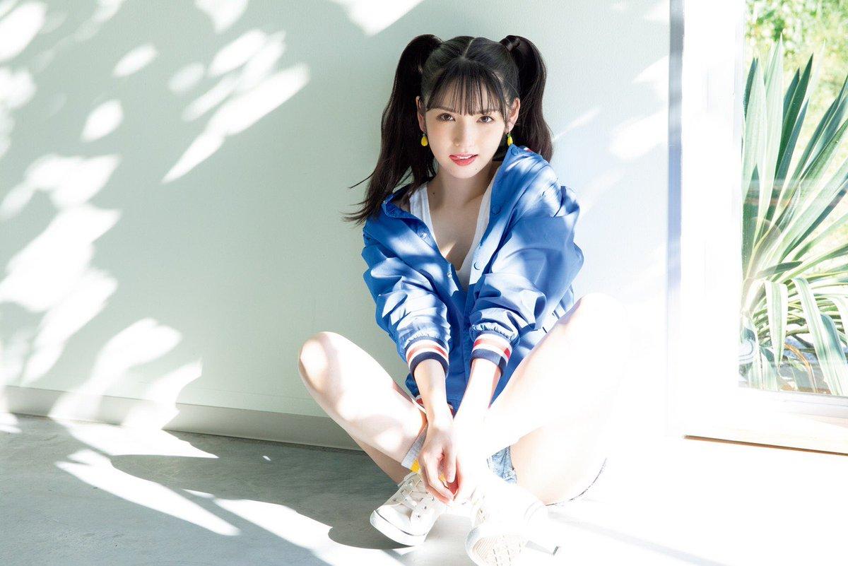 道重さゆみカレンダー2021発売決定♡詳しくはブログ見てね♡