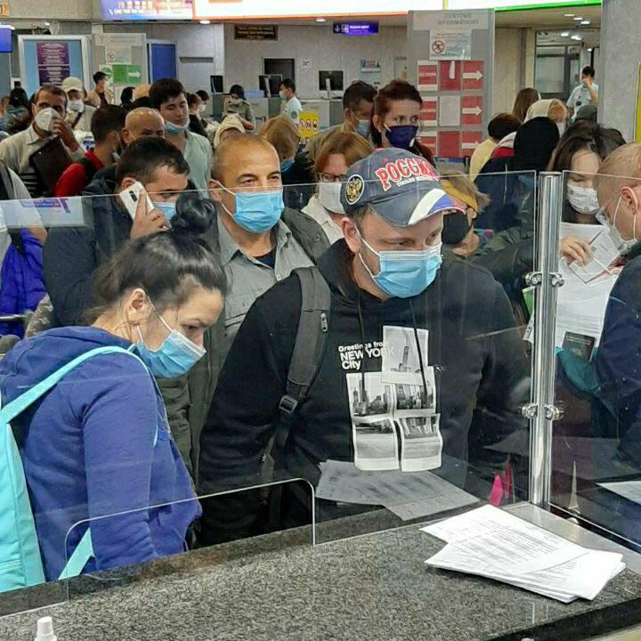 Сегодня утром ещё 223 пассажира вылетели в Россию на чартерном рейсе а/к «Уральские авиалинии» по маршруту 🛫 Ташкент — Москва 🛬 https://t.co/g2V2HpNICv