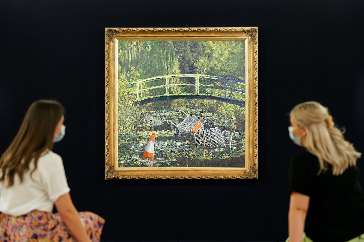 """Sotheby's hopes Banksy's painting about the """"excesses of consumerism"""" will generate $6 million in excess consumerism at auction next month: https://t.co/p4kv0Pj2XZ https://t.co/SDYR2yOhP9"""