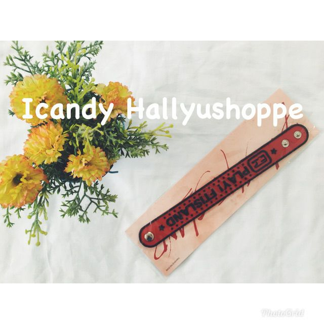 I'm selling [COD] FTIsland Official Play Wrist Band for ₱850. Get it on Shopee now! https://t.co/sjOpCX2yQH #ShopeePH https://t.co/tGgThNRF63