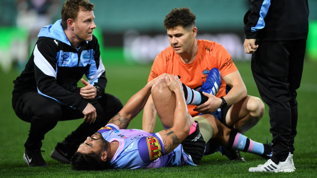 Sharks' finals hopes crushed as Johnson suffers suspected season-ending injury.   #NRL #NRLRoostersSharks  DETAILS: https://t.co/5uU9Mz3UI0 https://t.co/yLGG7DlOVb