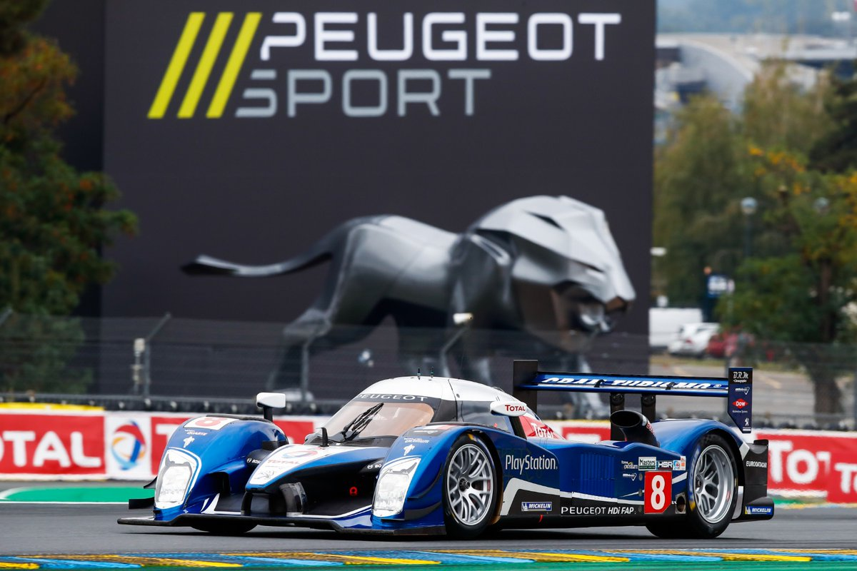 A #Peugeot908HDiFAP spotted on the @24HoursLeMans track, to pay tribute to @Peugeot's past on this mythical circuit & show gratitude to motorsports enthusiasts who made the 2020 edition possible 🇫🇷  @TotalRacingENG @FIAWEC #Racing https://t.co/yHF7VtCMzz