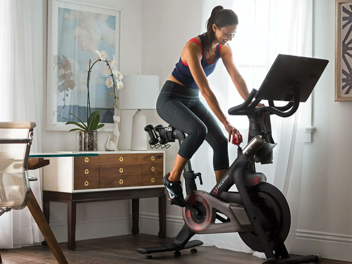 Please Retweet.  Win a #Peloton Exercise Bike or $2,500 in #Cash --- Winner's Choice!  #win #contest #giveaway #sweepstakes #sorteo #fitness #gym #dinero #workout #motivation #triathlon #swimbikerun #ironman #running #triathlete  Enter here >> https://t.co/BhmIGonfRv https://t.co/fYR0I0qWd1