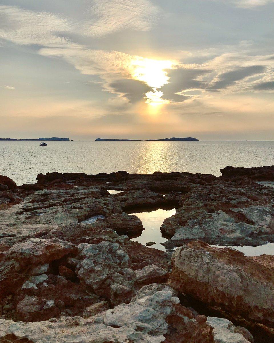 """Sa Conillera"" 🌤 🏝 #ibizavespatours #ibiza  #spain #eivissa #Vespa #rentaboat #charteribiza  #rentacar  #luxurycars #vadellarentals #ibiza2020  #balearicislands #rentascooter  #ibizabeach  #paradise  #santantoni #pictures #naturephotography #onthebeach #amazing #sea #beach https://t.co/mgp76rVd2l"