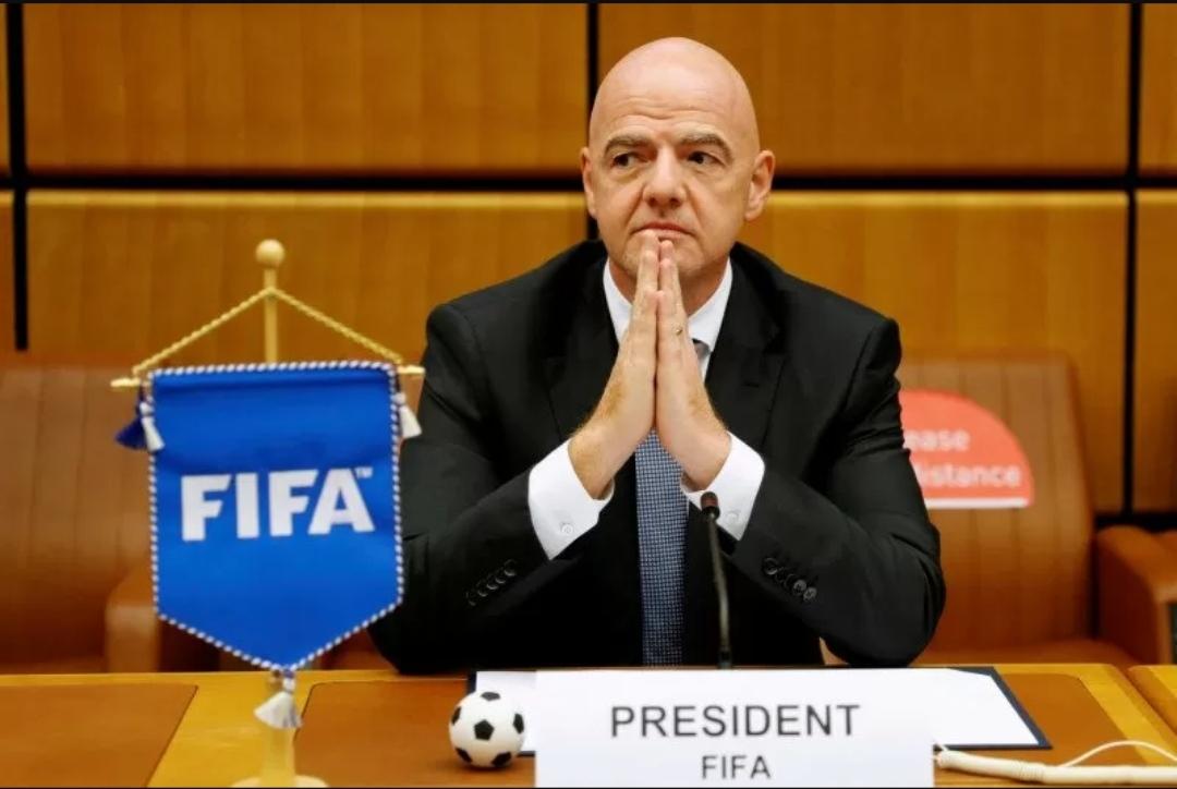 Chủ tịch FIFA nhiễm Covid-19