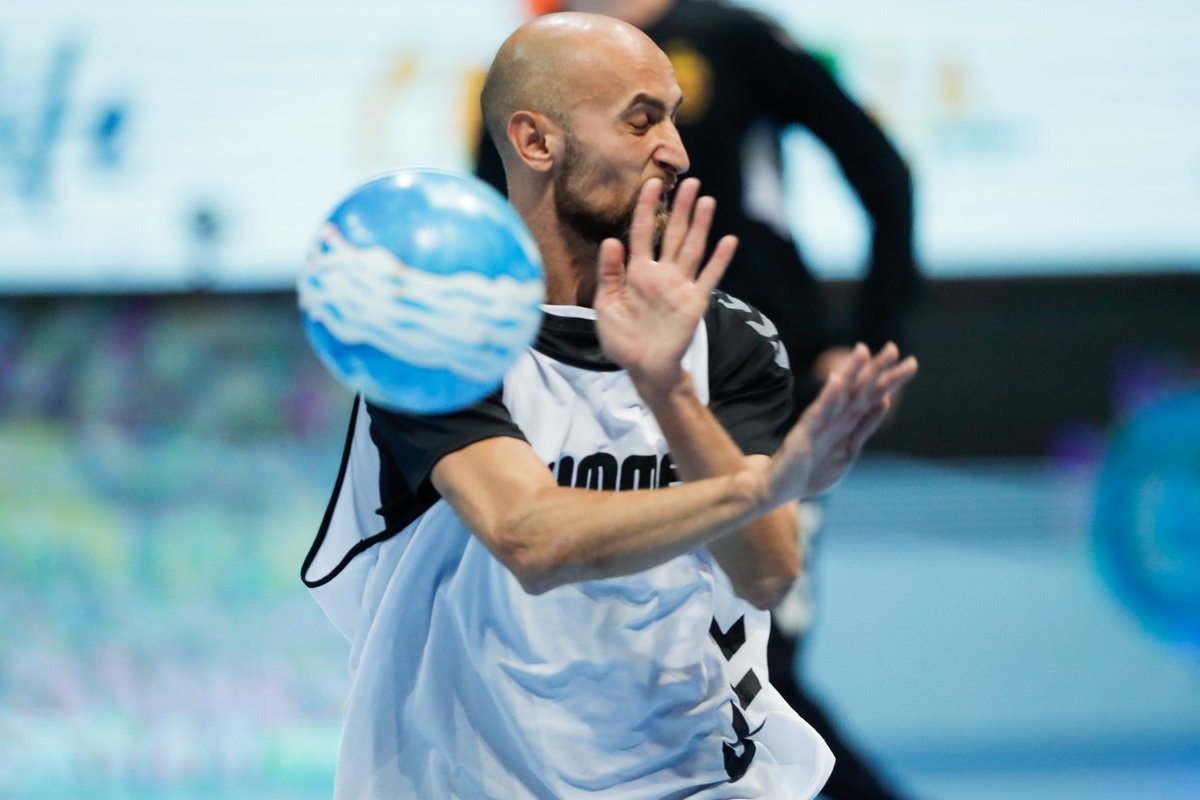 When you don't realize that summer🏖 is over and then it hits you ☄  #HANDBALLISBACK #SEHALeague #Gazprom #experiencehandball https://t.co/NPqY9hyaKY