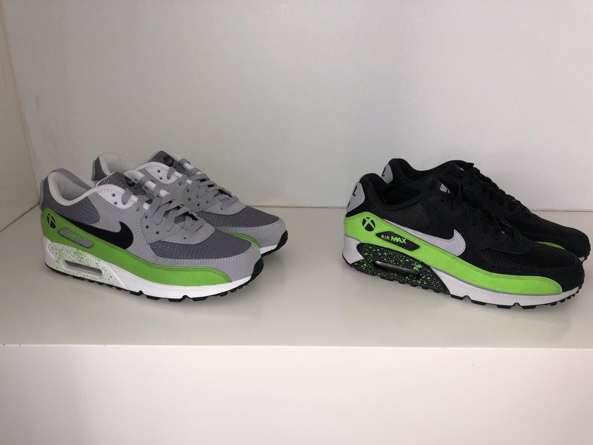 D'une vie professionnelle antérieure j'ai gardé ces 2 prototypes uniques de sneakers #Xbox. Elles seront bientôt mises aux enchères pour financer @Capgame_France qui travaille à rendre le jeu vidéo plus accessible aux personnes en situation de handicap. 💪✊#TousGamers #StayTuned https://t.co/Jr6bPM0gNz