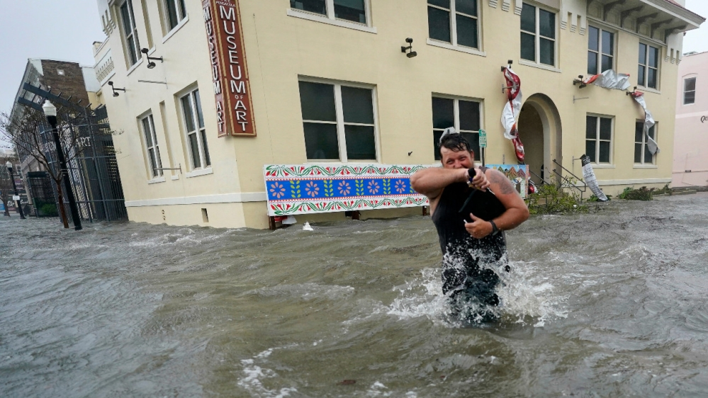 Huge floods, 'unreal' rain as Hurricane Sally hits US Gulf Coast: US National Hurricane Center describes 'historic and catastrophic' flooding as hundreds of thousands lose power. https://t.co/7bUWzQXnwC https://t.co/NtmwKk4Ec8