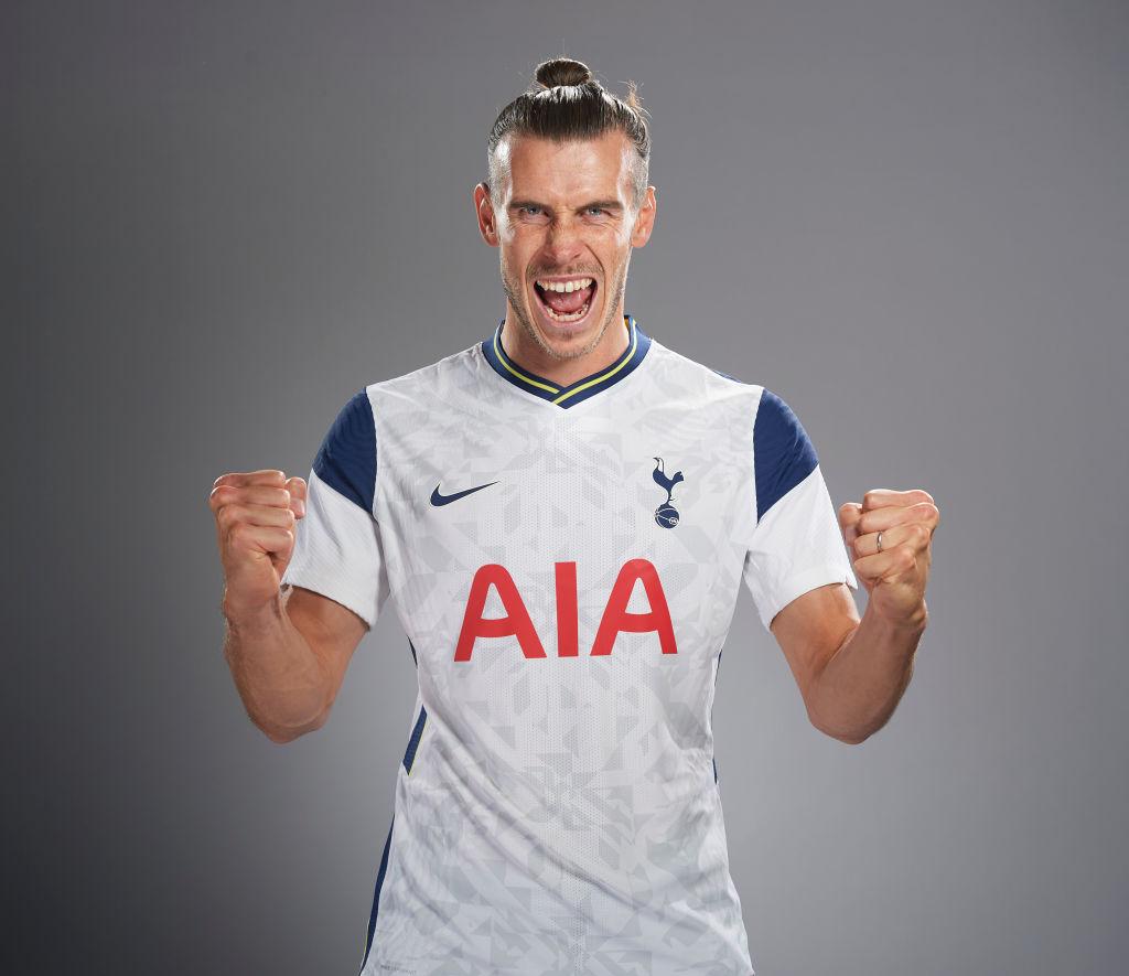 OFICIAL: Gareth Bale jugará cedido una temporada en los @Spurs_ES   ¿Qué puede aportar al equipo de Mourinho?   #UEL | @GarethBale11 https://t.co/x4x0slqJXL