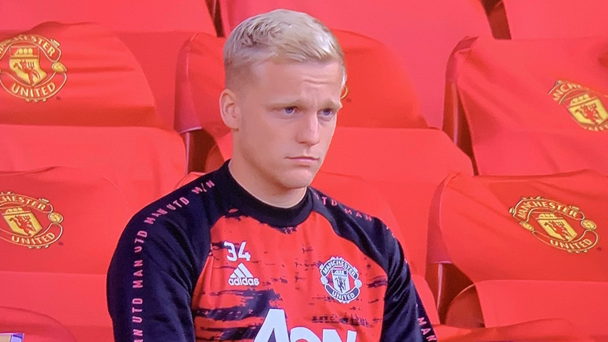 Caption this 🤣🤣 #MUNCRY https://t.co/Zv26ETBAnX