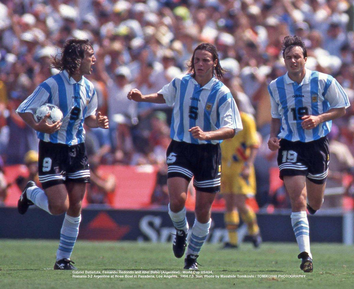 Gabriel Batistuta, Fernando Redondo and Abel Balbo, Argentina 🆚 Romania, World Cup 1994  #footballmemories #batistuta #gabrielbatistuta #batigol #redondo #fernandoredondo #balbo #abelbalbo#seleccionargentina #superligaargentina #worldcup #operazionenostalgia #fiorentina https://t.co/jYACkpTjFq