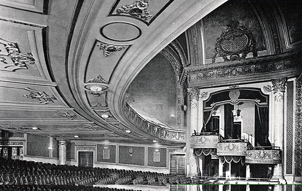 The story of the Elgin and Winter Garden theatres https://t.co/AGkVE7wSNu via @bayobserver #Hamont #Burlon #ElginTheatre #WinterGarden #OntarioHeritageFoundation https://t.co/JUXHgr1EBF