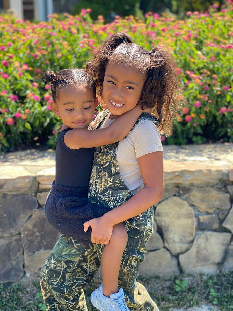💚 My Girls 💚 https://t.co/KCpyw9kE63