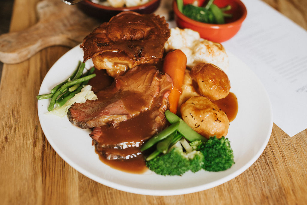 What are you up to tomorrow? We'll be serving Sunday roast from 12-6pm in The Pig & Whistle and The Portman. Four meats, Chargrilled Cauliflower Frittata, Fish and Chips or Superfood Salad. Choices, choice. To book, click the 'Book A Table' button here: https://t.co/M1jGpRZ735 https://t.co/SVki2JkWI3