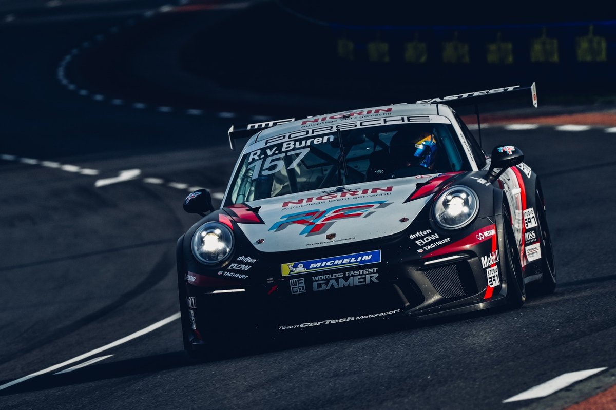 Tough race for @RvBuren in challenging conditions at the opening round in Le Mans. Some elbows here and there led to a spin, costing the top 8 finish that was in reach. Still a great showing, onto the next one! #rfactor2 #LeMans #LeMans24 https://t.co/NbVxPF5Bua