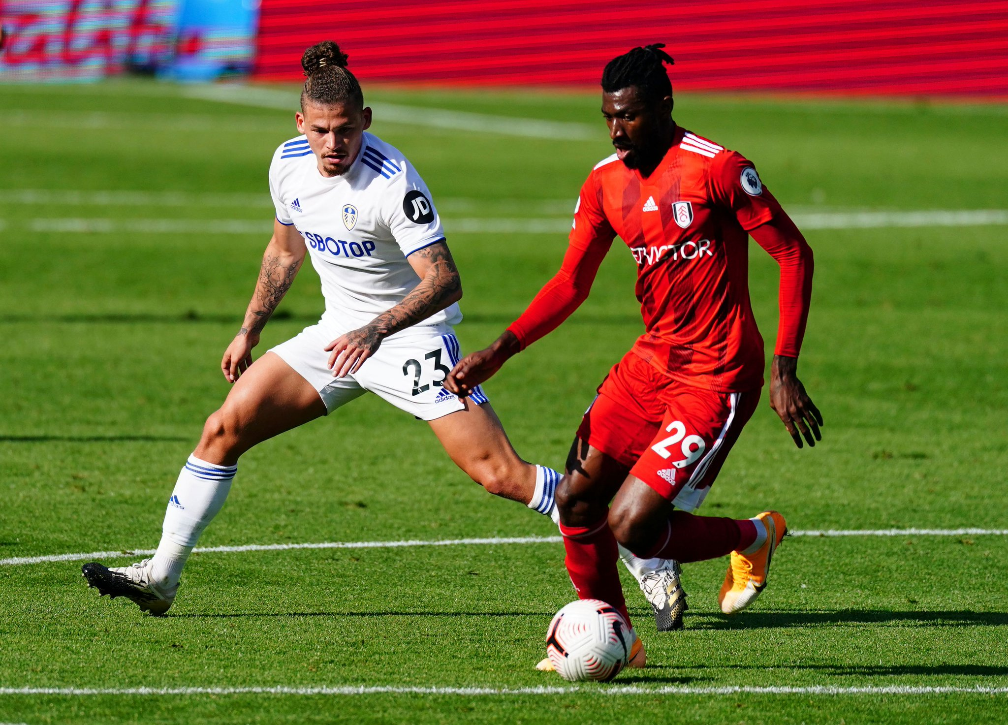Fulham Football Club On Twitter 46 It S Go Time For The Second Half Keep Battling Lads 2 1 Leeful