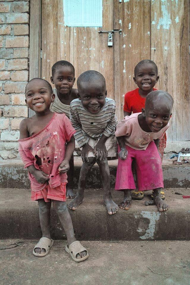 Ricordatevi, non siete  stranieri siete solo poveri.  Se foste ricchi non sareste stranieri in nessun luogo. https://t.co/0K87IDSGoT