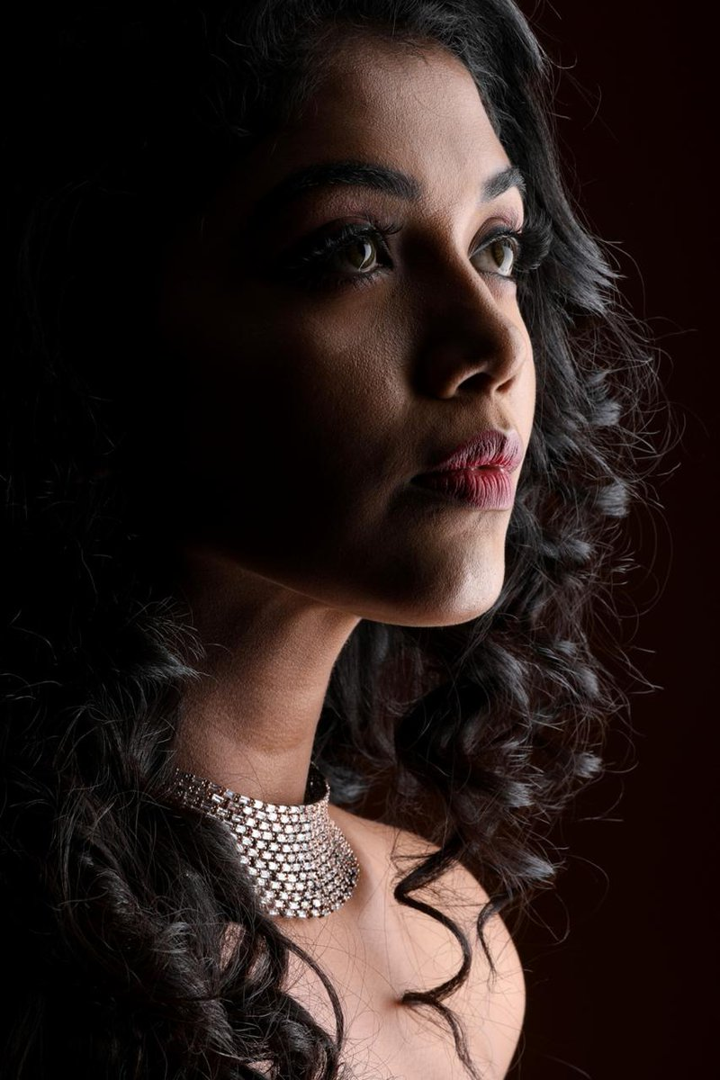 #NaturalStar @Riythvika Mesmerises in New look with her Chilling Expressions   Photography @JoveihJoshua   #NikilMurukan #NMNews23 https://t.co/6i4Xo9yHna