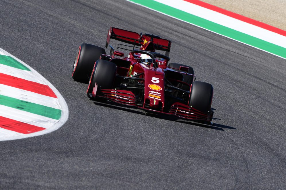 "La Ferrari porterà aggiornamenti in Russia ma avverte che non cambierà il ""quadro generale"".  https://t.co/7EWeFAfAgs https://t.co/Az5pT5Bhp1  #f1 #formulauno #scuderiaferrari #F1 #formula1 #FormulaOne #automotoreit #sebastianvettel #charlesleclerc #SF1000 #russiagp #ferrari https://t.co/mwfqPj7HyZ"