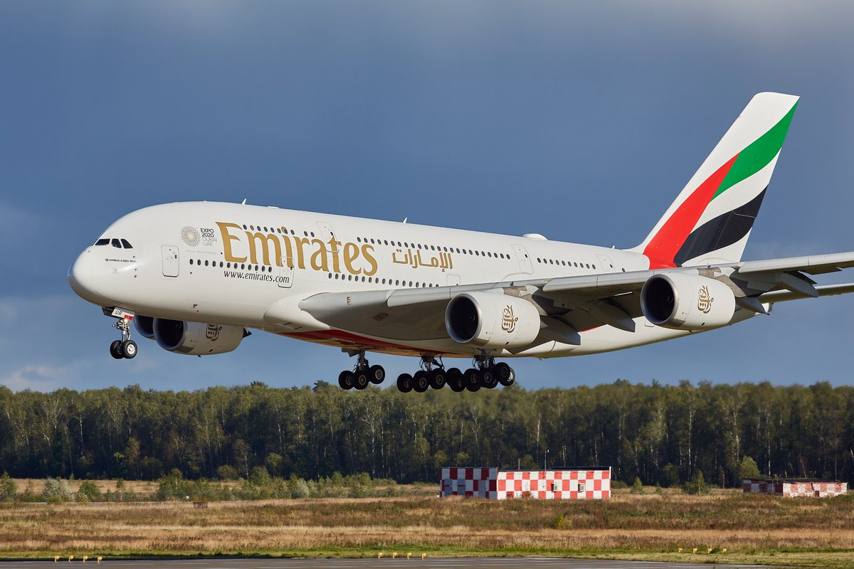 The Emirates @Airbus A380, one of the world's most loved aircraft for its unmatched passenger experience, received a grand welcome on its return to Moscow Domodedovo Airport yesterday. @DXB  #FlyEmiratesFlyBetter  Images by Sergey Dorokhov, AviMedia, Viacheslav Klychkov https://t.co/6lMthLEM3o