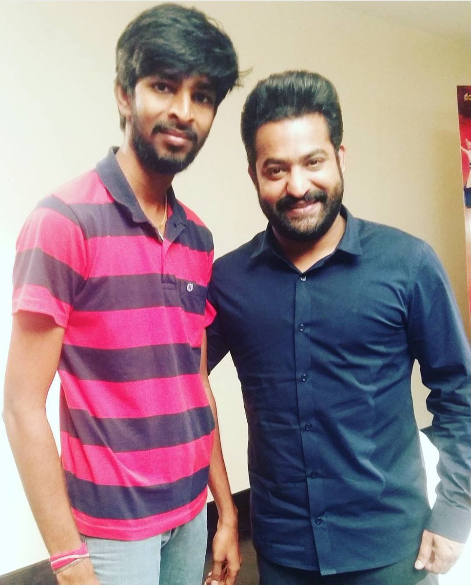 3 years ago, On this Day. Most memorable meeting with Young Tiger @tarak9999  for #JaiLavaKusa   #JaiLavaKusaTrendOnSep20 #JrNTR https://t.co/O0pRb5YHEU