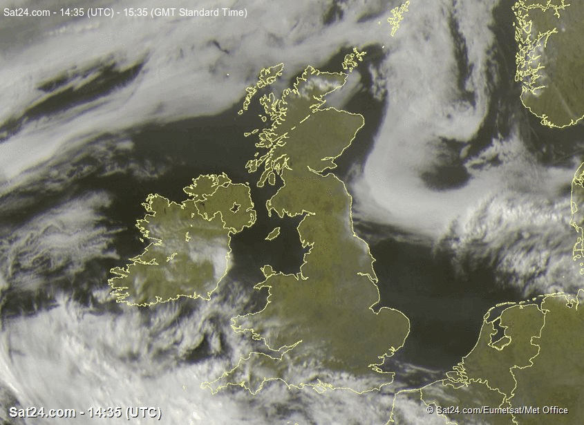 Mist and fog already moving into north-eastern coasts of England (as seen on latest satellite image). Expect a dry night with clear skies for many but mist and fog forming under the slackened winds. #weather #ukweather https://t.co/IKwIyOAgaV