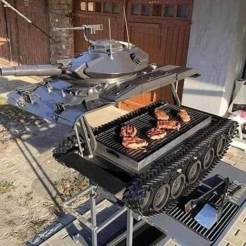 Tank barbecue pit. Grill your steaks and pew pew your enemies all in one. 😂 #barbecue #pitmasters https://t.co/BoCZLBDeZy