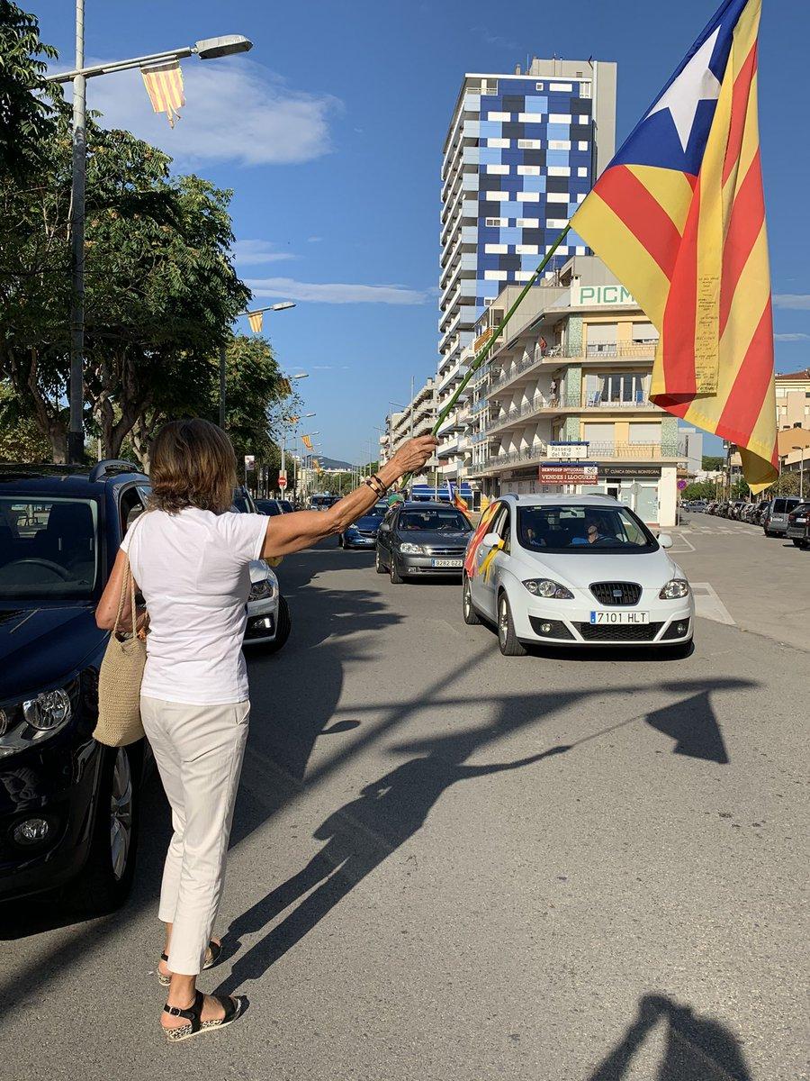 @assemblea Vaja! De les rues de cotxes de #Palamos #BaixEmporda no es va enviar foto? https://t.co/vS3judAyWA