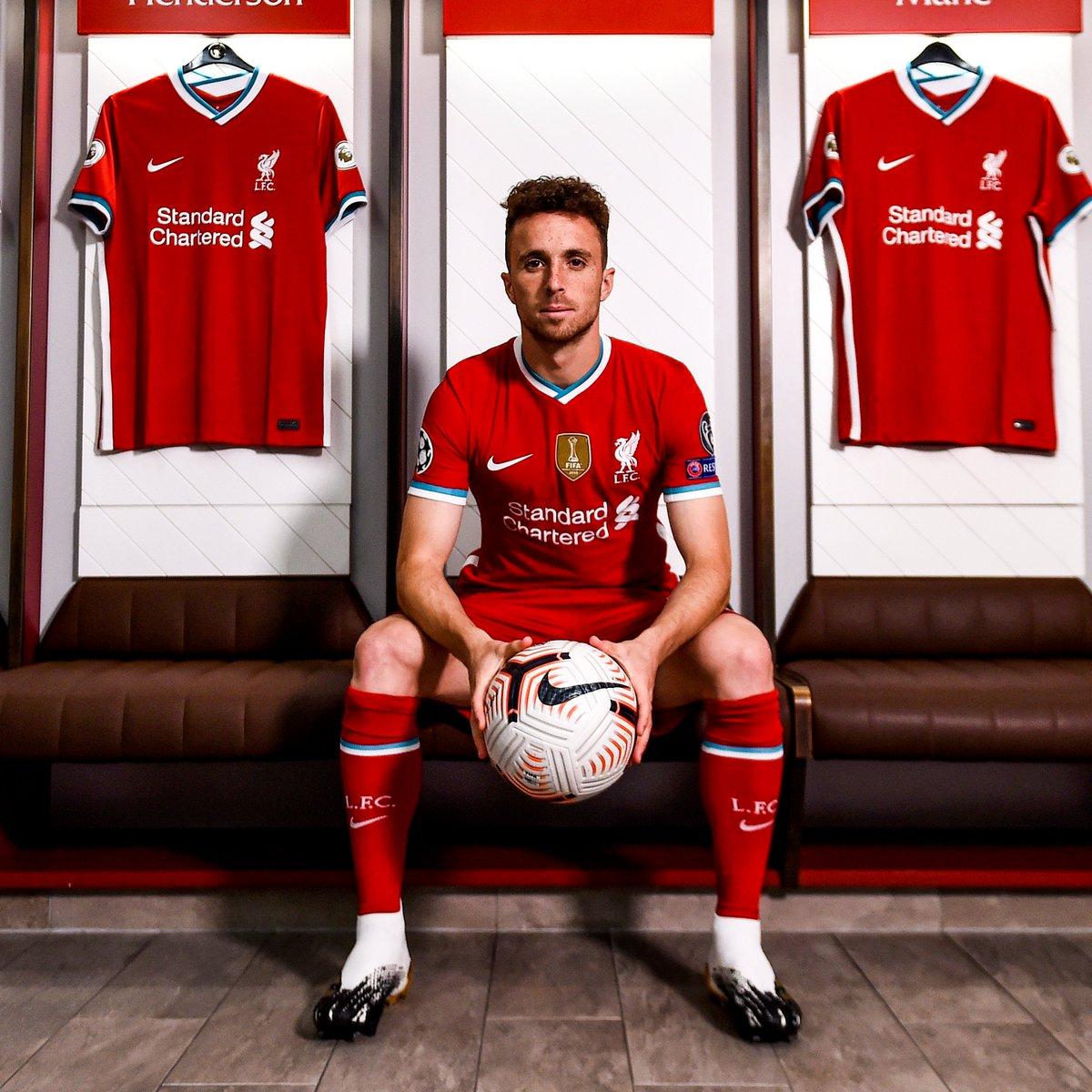 Liverpool's new forward 🇵🇹 https://t.co/fu1WoMbH8N