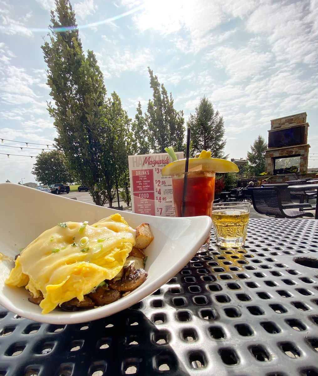 Holding onto those last few beautiful days of summer.  ☀️☀️☀️ Today's breakfast special is a Mushroom and Swiss Skillet! • • • #MaynardsRogers #BreakfastSpecial #MushroomAndSwissSkillet #PatioSeason #LastDaysOfSummer #Minnesota #SaturdayVibes #BestBarInTown https://t.co/eshjFAM6vB
