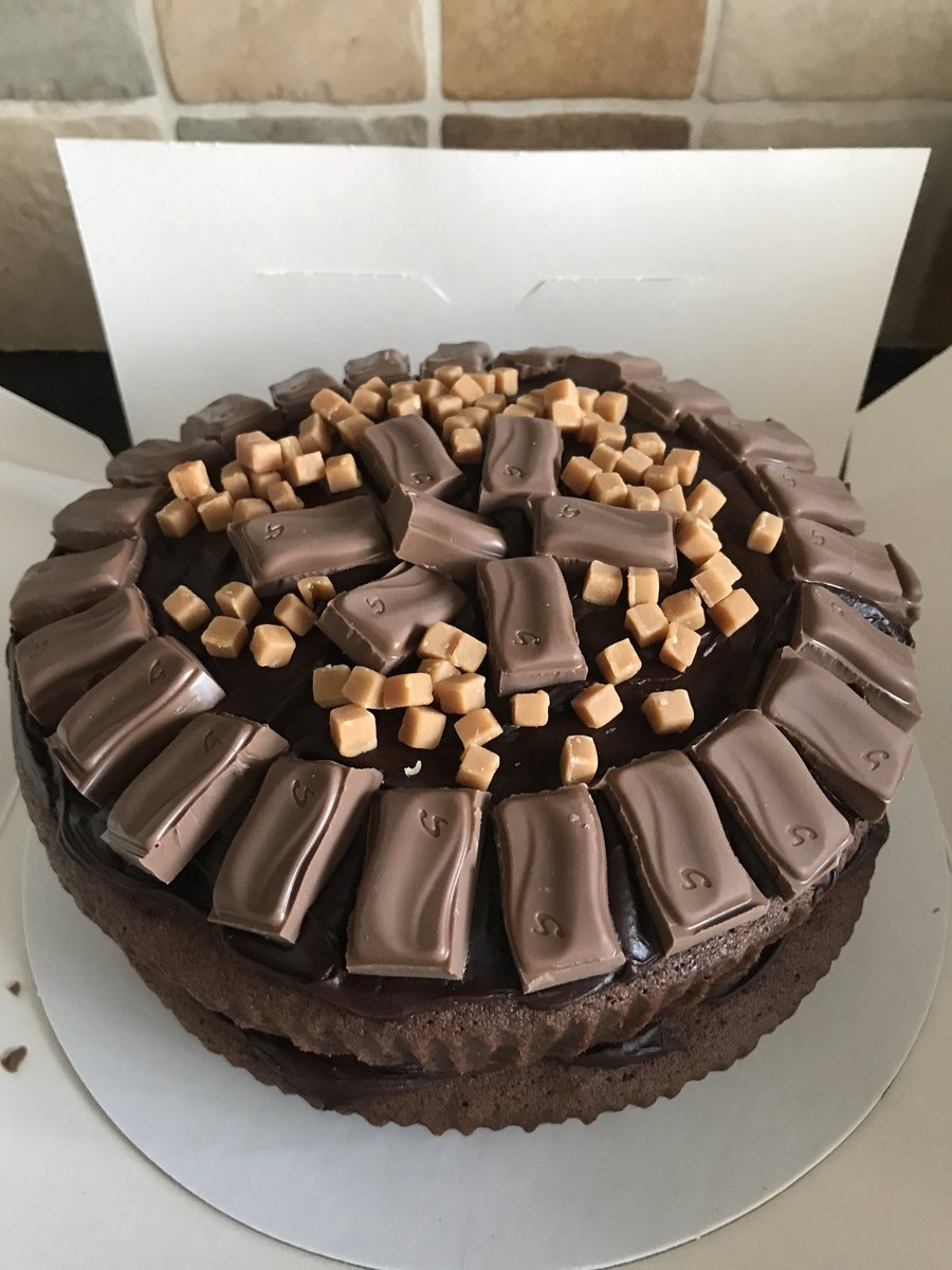 Thank you @mertynabbot for the fab birthday cake for Aron! We will be tucking into it shortly! #nomnom #chocolatecake #CoffeeHut #CwtCoffi #Llangefni #Anglesey 😃😋🍰 https://t.co/h5Q3sCeYTa