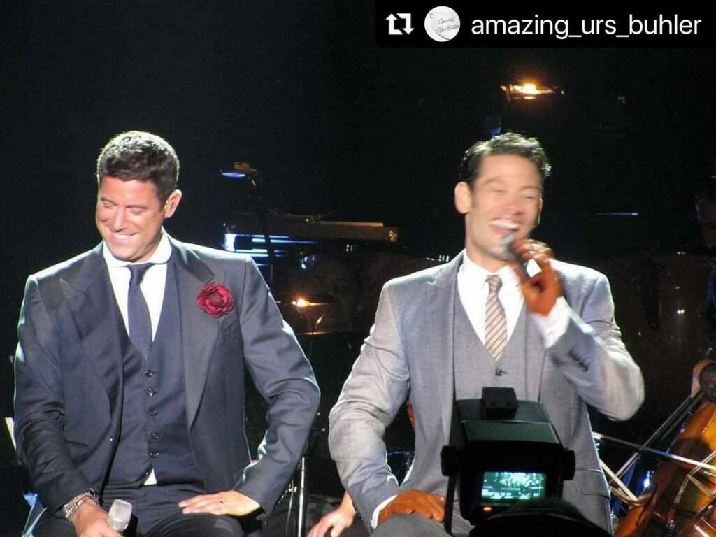 Love a good giggle photo thanks @amazing_urs_buhler 🙏🏻❤️with @make_repost ・・・ You didn't think we have forgotten it was Thursday,did you?😉 Here is a great #TBT photo from 2012,one of the funniest tours 😁 . #UrsBuhler #SebastienIzambard #tenors #c… https://t.co/sil58DDN13 https://t.co/QGukvJ1XDD