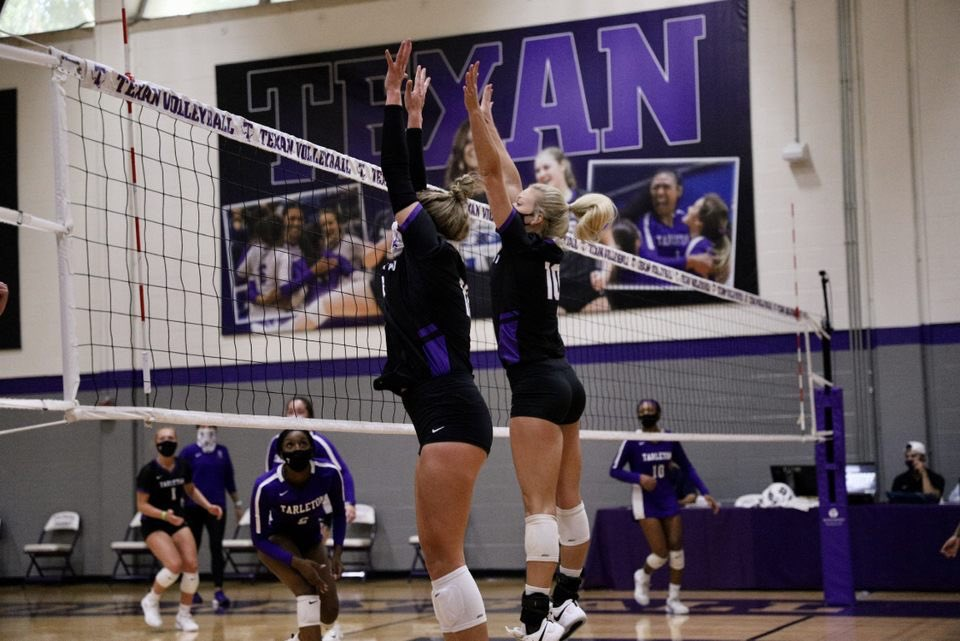 Scrimmage ✅ Purple and Black put up a good fight 😈🏐👊🏼 #TexanNation