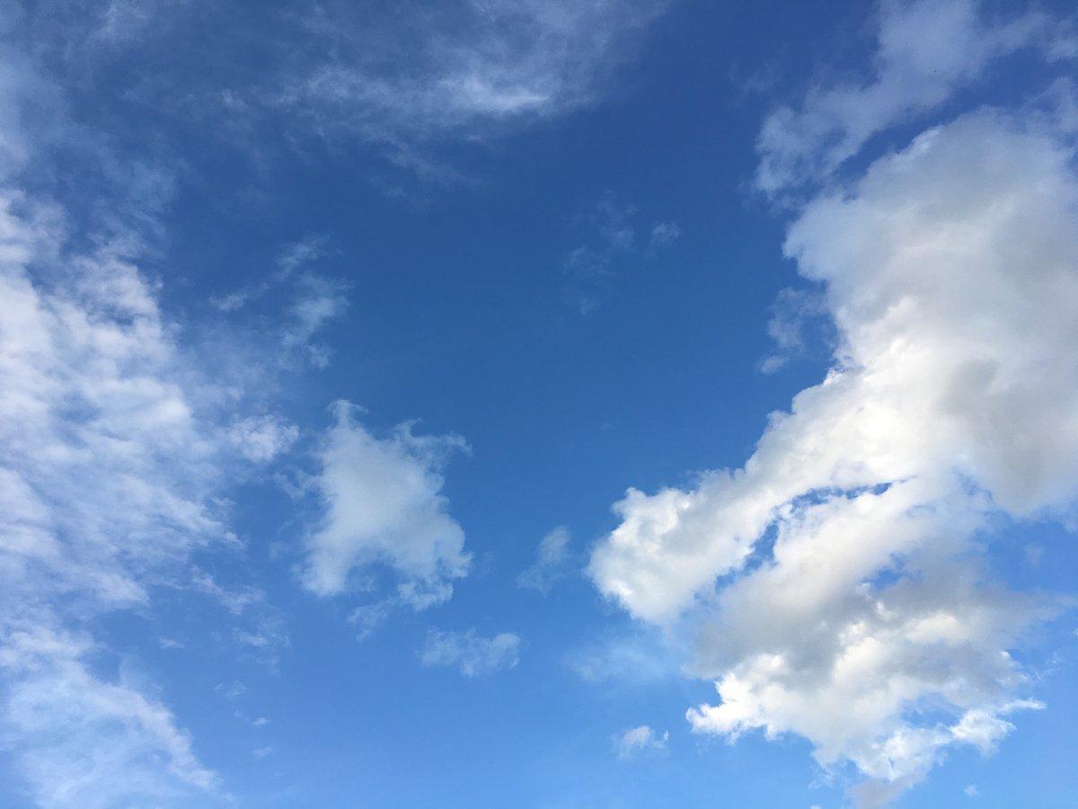 今日の空はとてもキレイでした。 #大切な人と同じ空 #MIYAVIと同じ空の下 #MIYAVI #夜中のミシン https://t.co/zGACTry85A