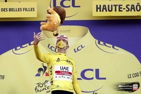 #Ciclismo #TDF2020 El joven esloveno Tadej Pogacar (UAE Emirates) es campeón virtual del @LeTour de #Francia 2020.  Pogacar, que antes de la 'crono' de 36,2 km, era 2do en la general a 57 s de su compatriota Primoz Roglic, ganó la etapa y vistió de amarillo al superarlo en 1:56. https://t.co/0GeyTud0pw