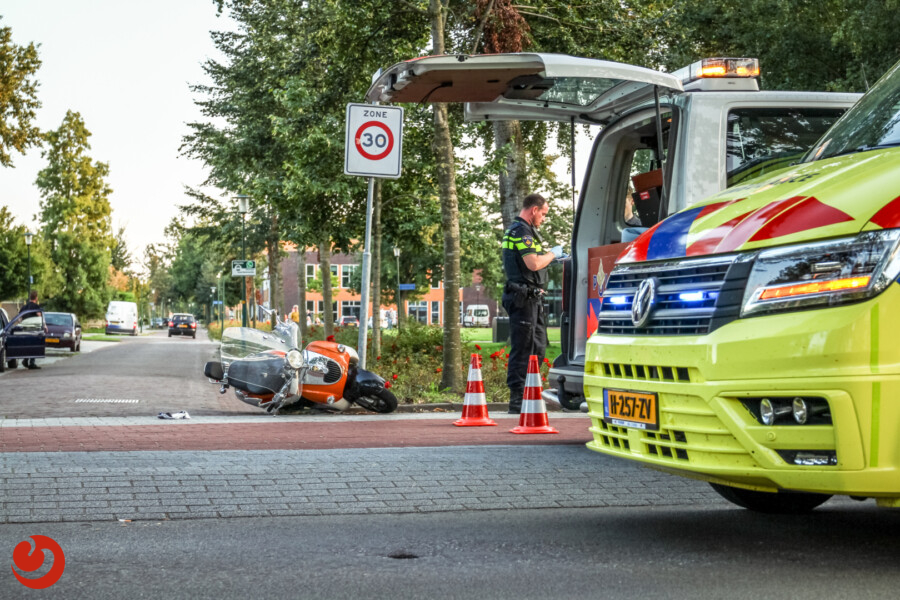 Bestuurder snorscooter gewond na aanrijding