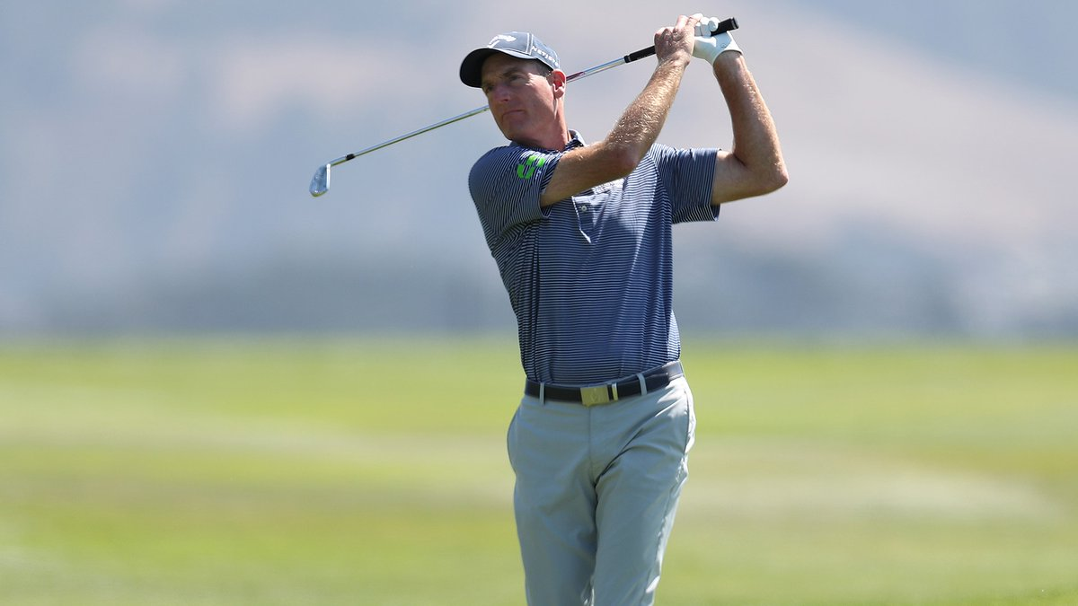 Jim Furyk leads at Pebble Beach in search of going 2-for-2 on PGA Tour Champions https://t.co/Au97tgBchz https://t.co/cJipBxaiBv