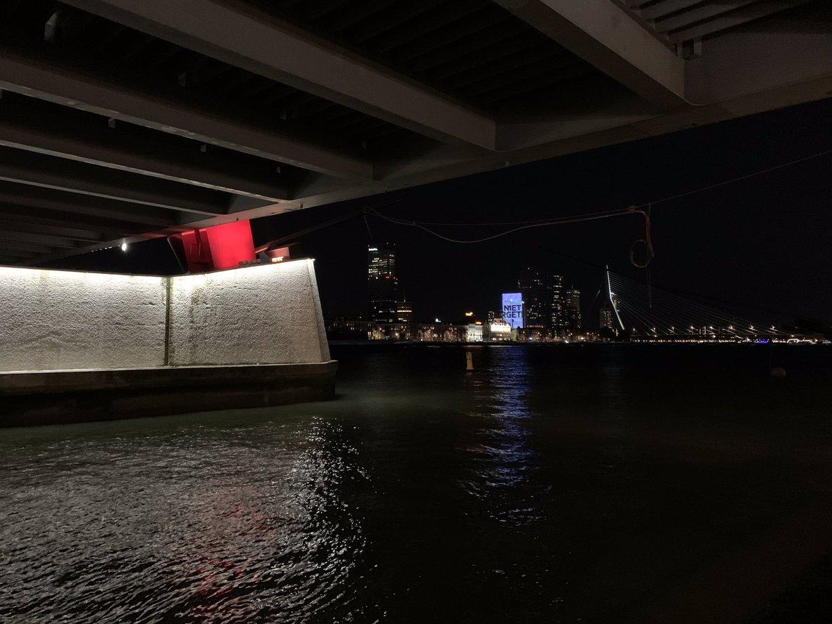 Avondrondje #Willemsbrug #Erasmusbrug #Rotterdam #pt https://t.co/UQZoc8uipg
