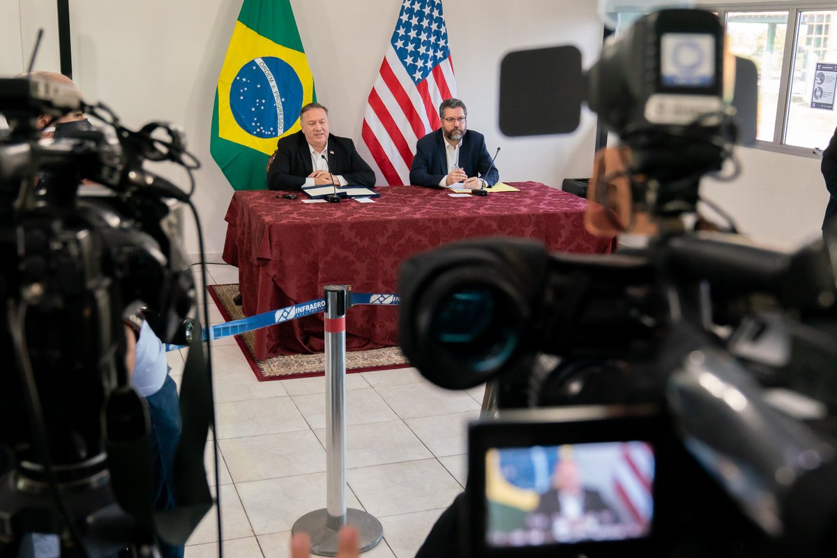 The United States is providing an additional $348M to help vulnerable Venezuelans and host communities, in sharp contrast to the actions of the illegitimate Maduro regime. #EstamosUnidosVE https://t.co/IUDs8OHnnz