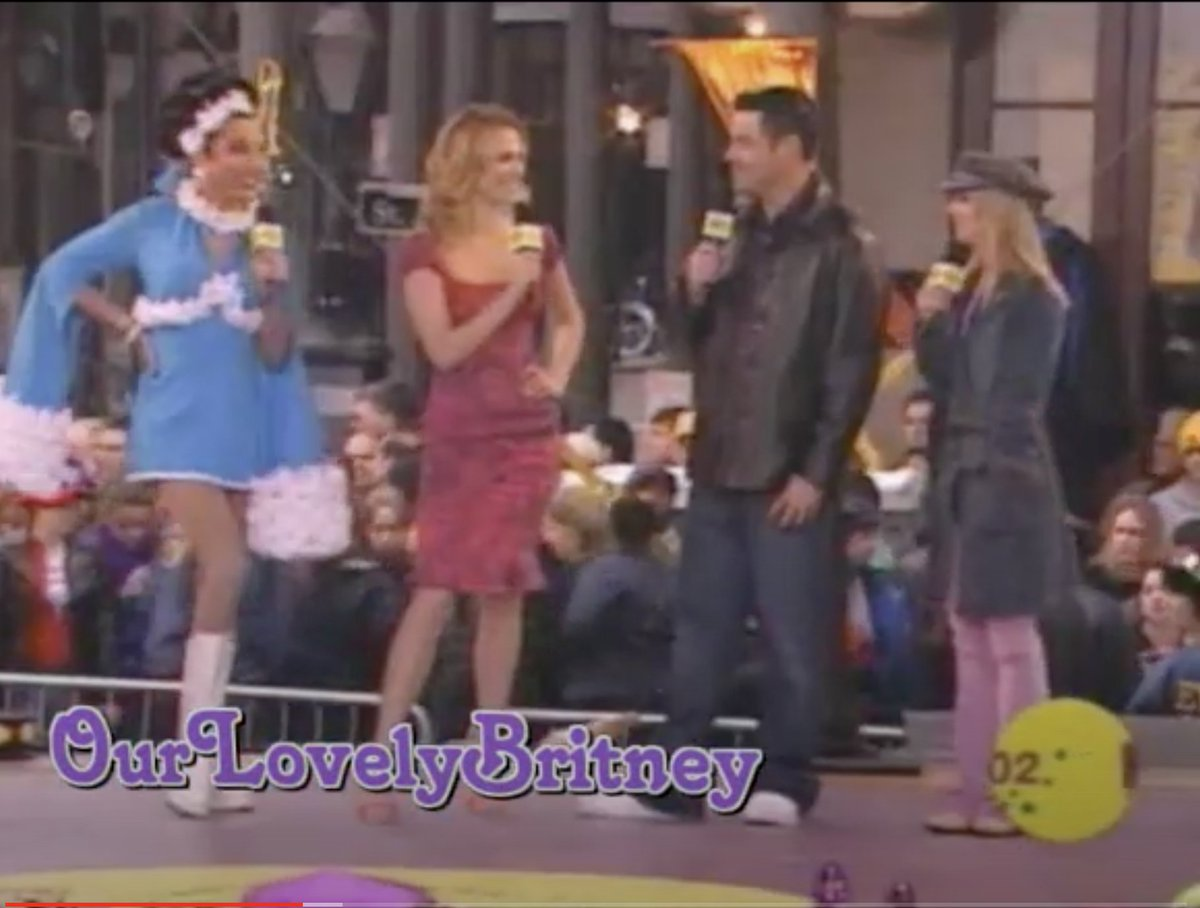 I actually remember watching this: New Orleans Mardi Gras 2002 with Bianca Del Rio, Molly Sims, Carson Daly, and Britney Spears.  #MTV #BiancaDelRio #BritneySpears #NewOrleans https://t.co/TLtx6KUTqJ