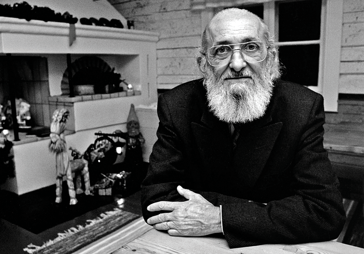 """19 Sept. 1921: Brazilian educator and Marxist Paulo Freire, who will outline a radical method of pedagogy that aims to empower the marginalized and silenced in his book """"Pedagogy of the Oppressed,"""" is born in Recife. https://t.co/pEx5DDUgfD"""