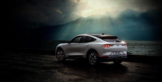 Ford Mustang Mach-E Easily Goes 300+ Miles In #Norway https://t.co/MYBxJOpMfU #EV https://t.co/dFswg4jpcW